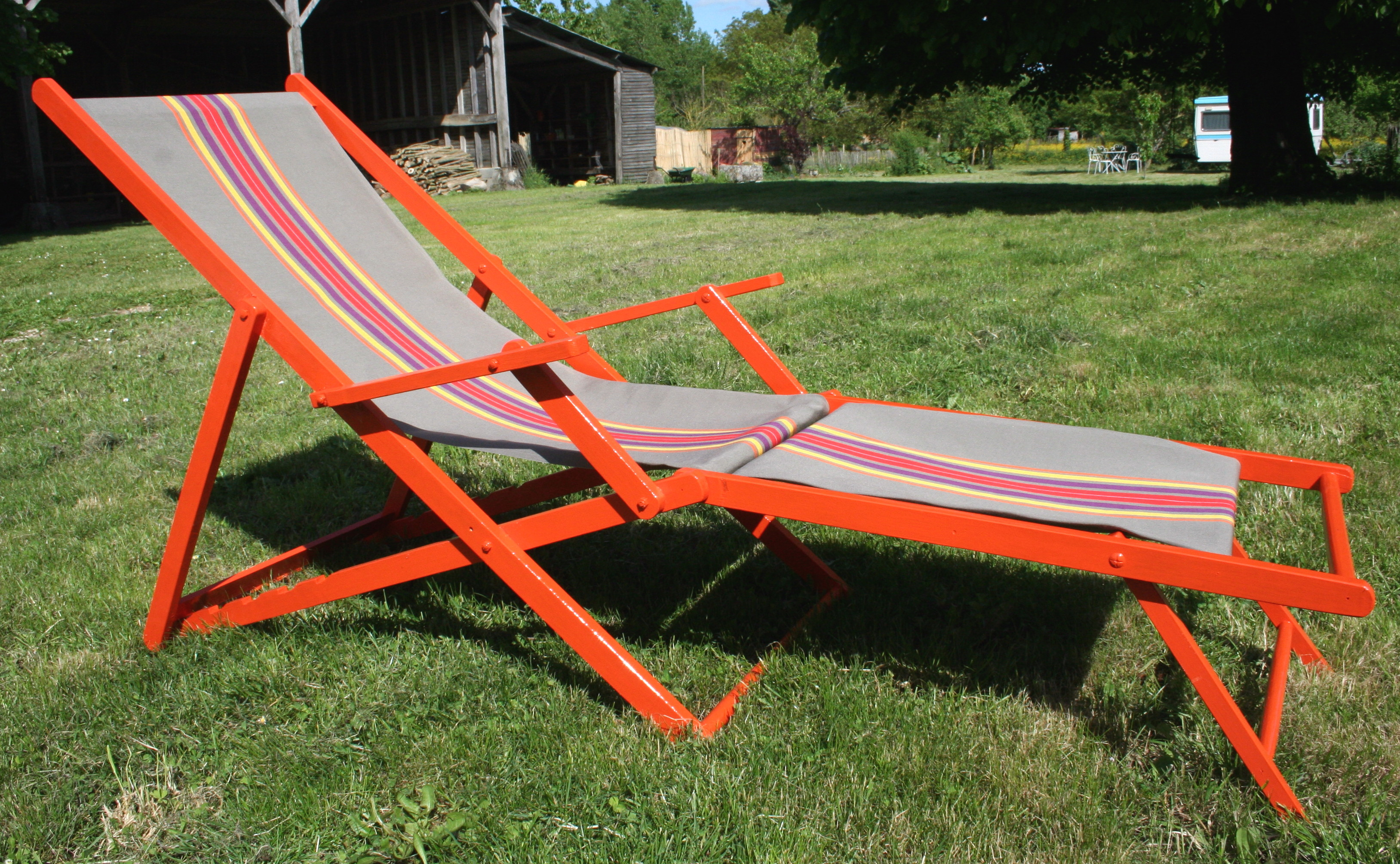 Chilienne orange vendue for Chaise longue avec repose pied chilienne